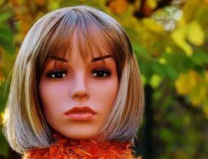 Micro haar pigmentatie of een pruik of haarwerk.